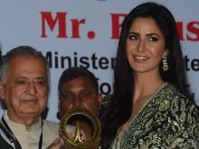 Katrina Kaif Collects Smita Patil Award, the One That She Was Mocked For