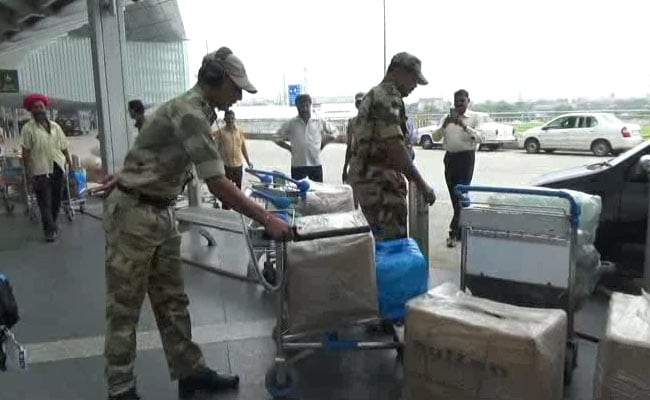 Three Arrested For Trying To Smuggle $80,000 From Kolkata Airport