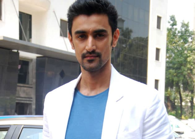 Kunal Kapoor is a Kalaripayattu Warrior in Veeram