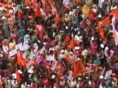 पुणे में मराठा समाज के मूक मोर्चे में जुटे लाखों लोग
