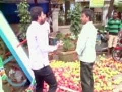 राज ठाकरे की पार्टी MNS ने उत्तर भारतीयों को पीटा, घाटकोपर में फलवाले का ठेला पलटा