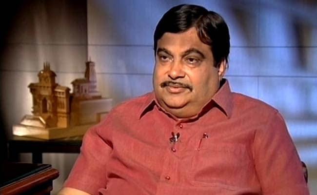 Nitin Gadkari Wants SpaceX To Test-Run Supersonic Train 'Hyperloop' In Pune