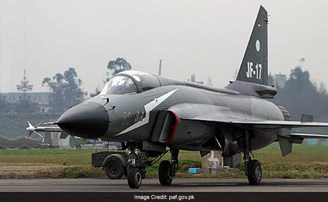 अभ्यास के दौरान पाकिस्तान वायु सेना का विमान दुर्घटनाग्रस्त