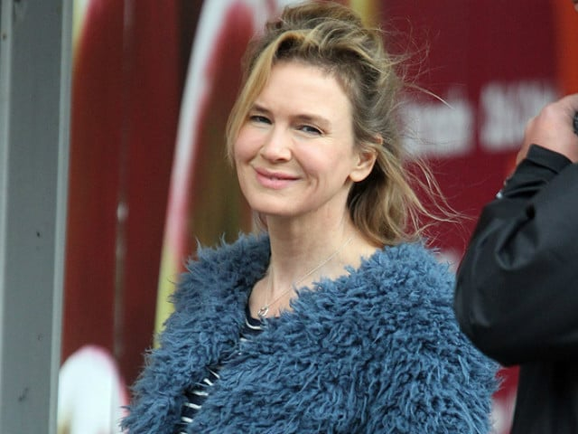 Renee Zellweger 'Scared' About Comeback. She Doesn't Want to Disappoint