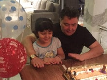 Rishi Kapoor's Midnight Birthday Party Was With 5-Year-Old Granddaughter