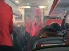जब विमान में भर गया धुआं, यात्रियों ने कहा - ज़िन्दगी का सबसे डरावना पल...