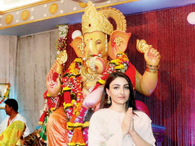 Soha Ali Khan 'Attacked' By Online Bullies For Celebrating Ganesh Chaturthi