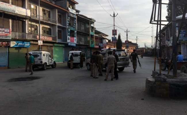 सोपोर से ग्राउंड रिपोर्ट : अलगाववादियों और पुलिस के बीच पिस रहे सेब व्यापारी, बंद से धंधा चौपट