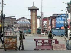पैलेट गन से घायल युवक का शव मिलने के बाद श्रीनगर में तनाव, हरवन इलाके में कर्फ्यू