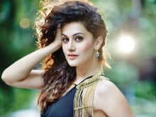 Taapsee Pannu Stalked By Fan, <i>Pink</i> Actress Was 'Shocked'