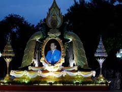 Gripped By Grief, Thais Mourn Death Of Beloved Monarch