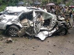 उत्तराखंड : सड़क पर चट्टान टूटने से सेना के कर्नल और उनकी पत्नी की मौत