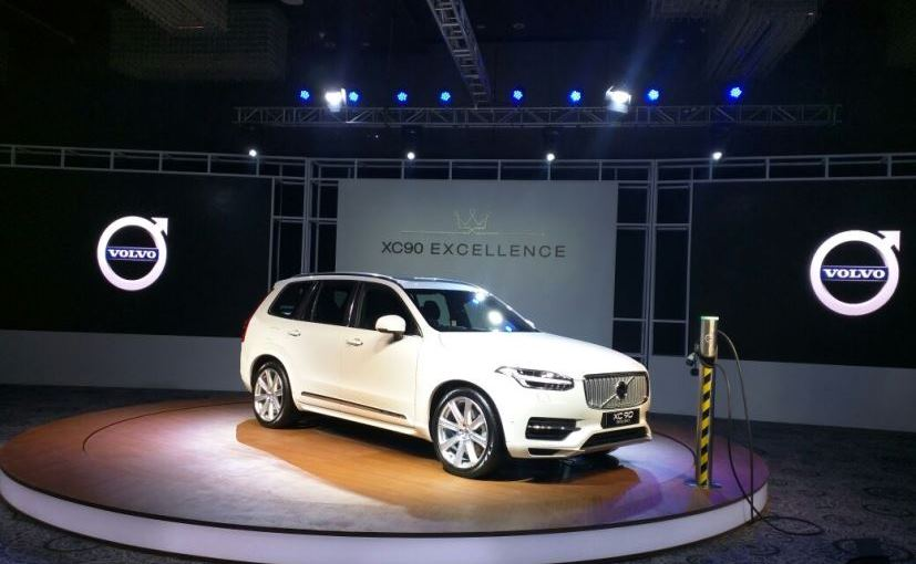 Volvo XC90 T8 Plug-In Hybrid Car