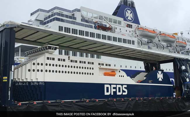 Largest LEGO Ship Sets Guinness Record - Biggest lego ship