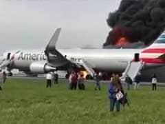 शिकागो एयरपोर्ट पर विमान का टायर फटा, आग लगी, 20 घायल, देखें क्या हुआ था....