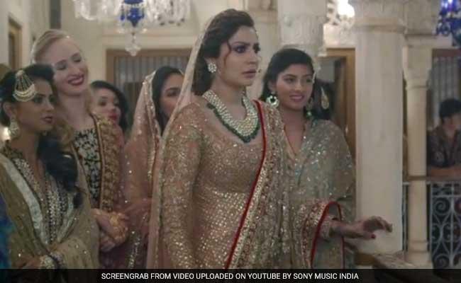 'ऐ दिल है मुश्किल' में अनुष्का शर्मा ने पहना 17 किलो का लहंगा, कहा, 'बहुत मुश्किल था सब'
