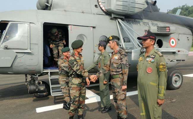 सर्जिकल स्ट्राइक को अंजाम देने वाले सैनिकों से मिले सेना प्रमुख, सुरक्षा व्यवस्था का लिया जायजा