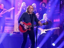 Bee Gees' Barry Gibb Wants To Collaborate With Justin Timberlake