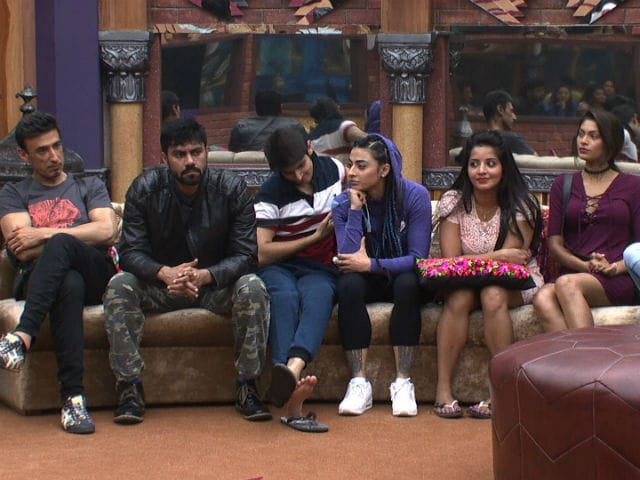 Bigg Boss 10: Sevaks Become Maaliks As New Week Begins