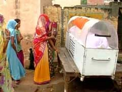 रॉबिन की मौत के बाद बिसाहड़ा में तनाव, ग्रामीणों का अंतिम संस्कार से इनकार, तिरंगे के नीचे रखा शव