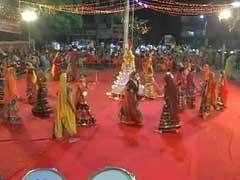 मुंबई : बाजार की बेरुखी से नवरात्र पर गरबा के आयोजन फीके