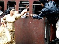 बॉलीवुड की प्रेम कहानियों में आगे की लाइन में खड़ी 'दिलवाले दुल्हनिया ले जाएंगे' के 21 साल पूरे