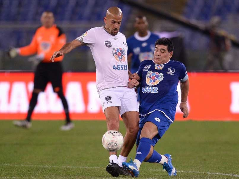 Diego Maradona Clashes with Juan Sebastian Veron at Pope Francis' 'Peace Match'