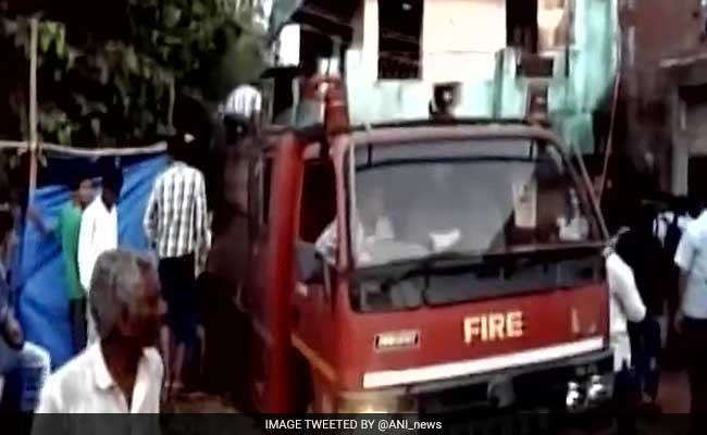 8 Killed, Several Injured After Fire In Crackers Shop In Gujarat's Vadodara