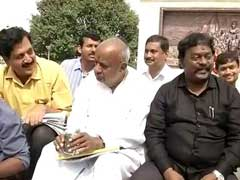 कर्नाटक में त्रिशंकु विधानसभा के आसार : क्या कांग्रेस को सरकार बनाने के लिए जेडीएस देगी समर्थन?