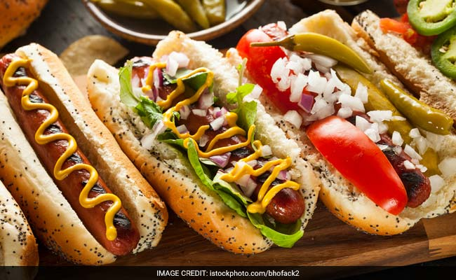 Study Says Eating Hot Dogs May Shorten Healthy Life By 36 Mins, Here's What To Eat Instead