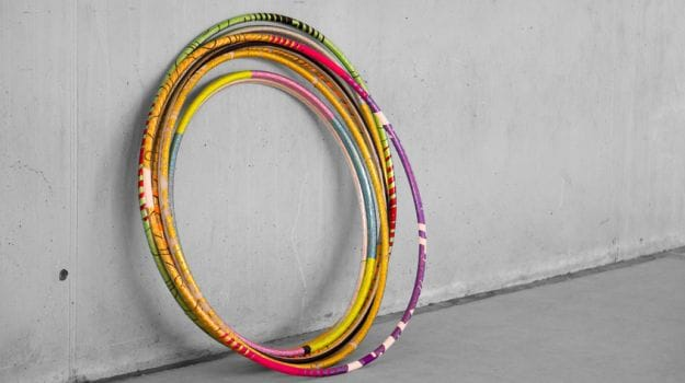 Hula Hoop: The Ultimate 10-Minute Workout to Tone Your Stomach, Thighs and More
