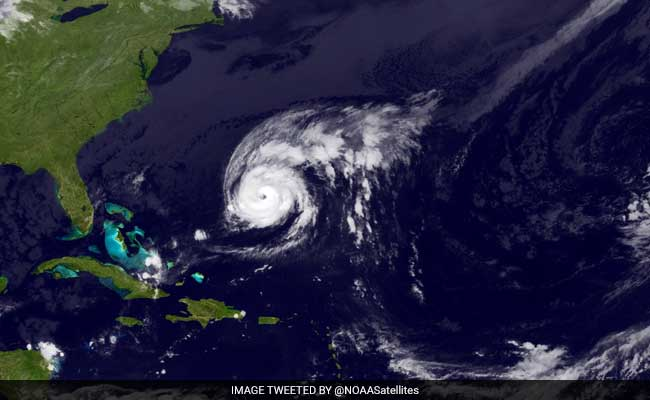 Hurricane Nicole Bears Down On Bermuda