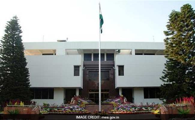 Indian Diplomat's Cellphone Seized While He Was In Pakistan Court