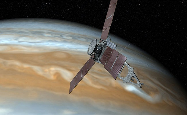 First close-ups of Jupiter's Great Red Spot from Juno flyby