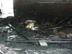 आगरा में आतिशबाजी की दुकान में लगी आग, धूएं में दम घुटने से दो बहनों की मौत