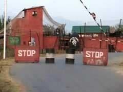जम्मू कश्मीर : हंदवाड़ा में मारे गए 3 आतंकियों के पास से मिले पाकिस्तान के निशान वाले सामान