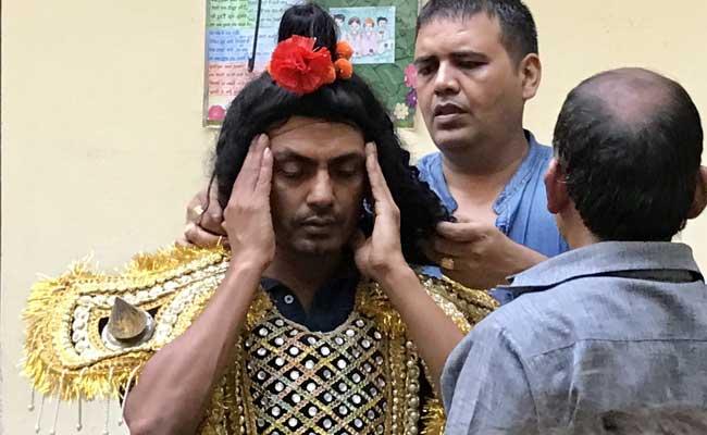 नवाजुद्दीन सिद्दीकी को शिवसेना ने उनके गांव में नहीं करने दी 'रामलीला'...