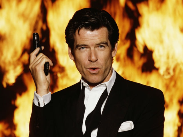 James Bond Pierce Brosnan In An Indian 'Gutka' Ad Has Twitter 'Shaken'