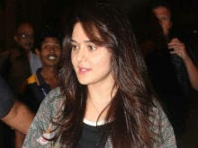 """Preity Zinta Lashes Out at Paparazzi: """"Is Work Beyond Manners?"""""""