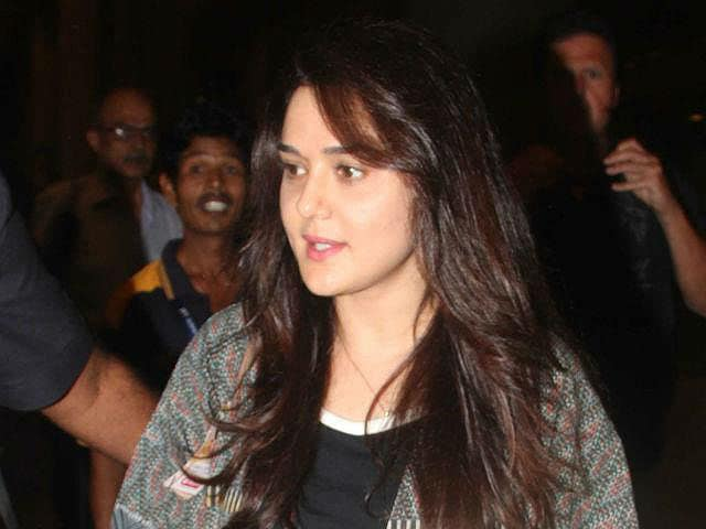 Preity Zinta Lashes Out at Paparazzi: