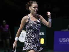 Agnieszka Radwanska Seals Last Semis Spot at WTA Finals