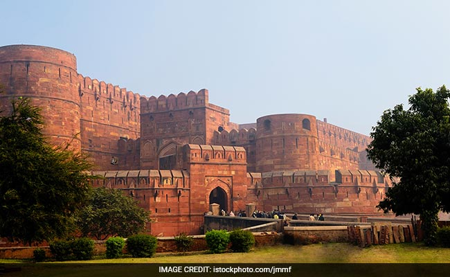 Red Fort Shut For Public Till Republic Day After Bird Flu Found In Dead Crow
