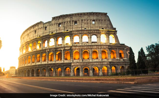 Italy Unveils Plan For New floor For Colosseum With Gladiator's View