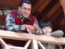 Salman Khan's <i>Tubelight</i> Trends Because of These Pics From Sets