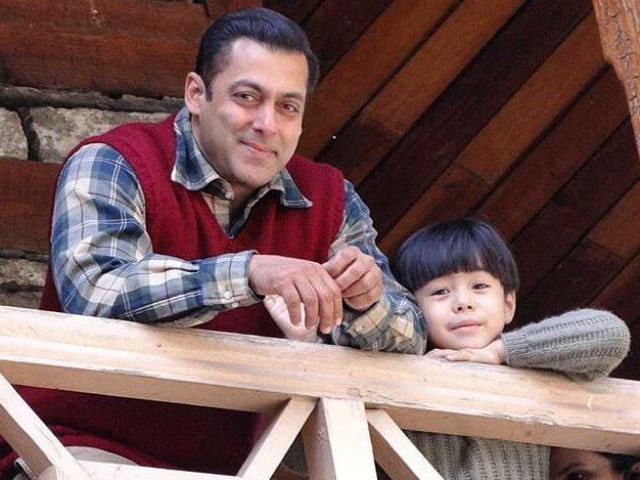 Salman Khan's Tubelight Trends Because of These Pics From Sets
