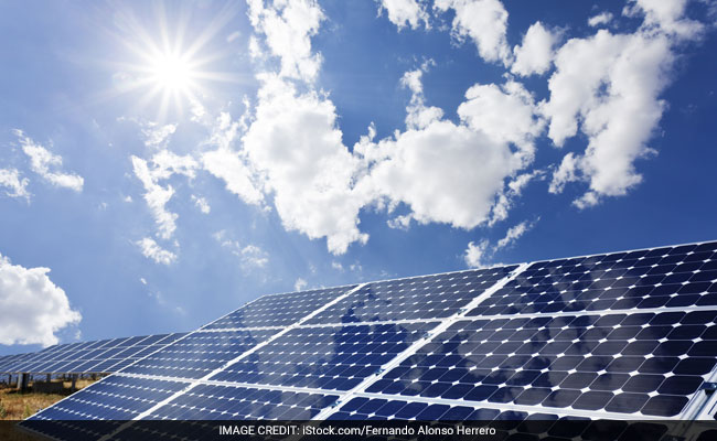 India To Build Solar, Wind Energy Farms Along Border With Pakistan