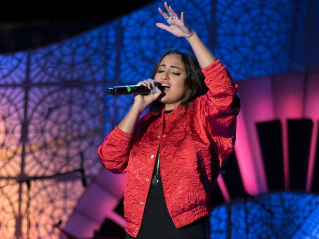 Watch: Sonakshi Sinha Sings Ikk Kudi And Wins The Crowd
