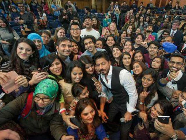 Shah Rukh Khan Fans Put TV Show's Foreign Shoot on Hold For Hours