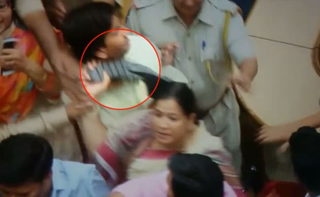 Congress Councillor Throws Slipper At Mayor During Meeting In Jaipur