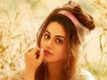 Taapsee Pannu 'Moved To Tears' After Reading This Letter From A <i>Pink</i> Fan